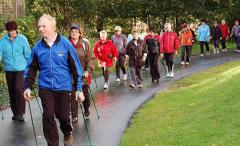 世界步行日 跟着走步机甩掉亚健康