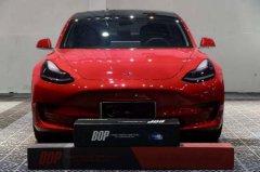 红色特斯拉Model 3妖娆妩媚这个效果只有BOP隐形车衣才